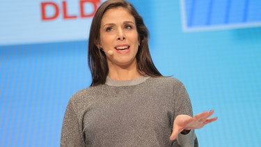 Rachel Botsman as Keynote-Speakerin at DLD19  | Bild: Picture Alliance for DLD