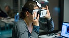 Userin mit Virtual-Reality-Brille | Bild: BR/Matthias Kestel
