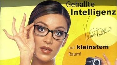 Verona Pooth, damals noch Verona Feldbusch, auf einem Werbeplakat | Bild: picture-alliance/dpa