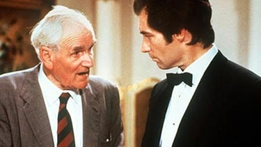 Timothy Dalton und Desmond Llewelyn | Bild: picture-alliance/dpa