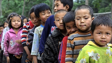 Kinder in einer Schule in China | Bild: picture-alliance/dpa
