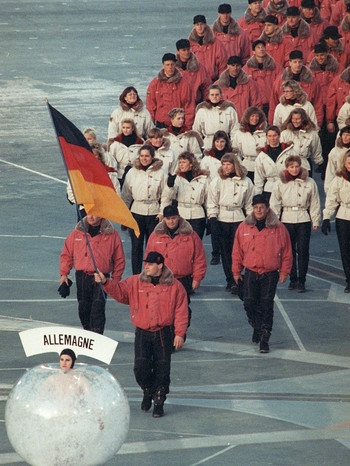 Einlauf der Nationen 1992 in Albertville | Bild: picture-alliance/dpa